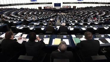 """Mara Bizzotto, une députée européenne italienne membre du groupe """"Europe des nations et des libertés"""" de Marine Le Pen,a attaqué la communauté roumaine lors d'une intervention au Parlement européen. Une députée roumaine a contre-attaqué."""