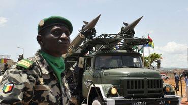Illustration: un soldat malien lors des parades pour le cinquantenaire de l'indépendance