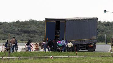 Calais, Melilla, la Sicile... Lieux de l'immigration illégale en Europe
