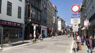 La chaussée d'Ixelles est le cœur d'une zone apaisée où la circulation des véhicules est limitée.