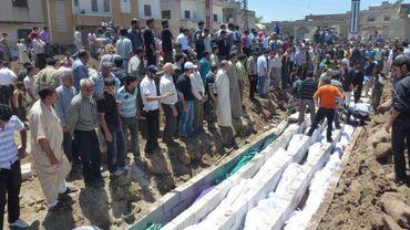 La majorité des victimes de Houla ont été exécutées, selon un représentant de l'ONU. La France, de son côté, expulse l'ambassadrice syrienne.