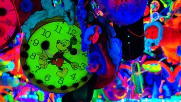 """Mickey Mouse Cosmic Cavern"" de Kenny Scharf."