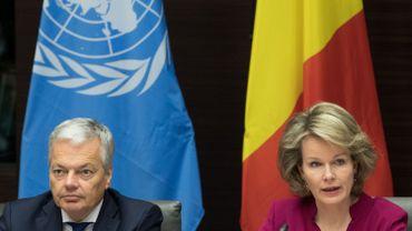 Le ministre des Affaires étrangères, Didier Reynders et la reine Mathilde.