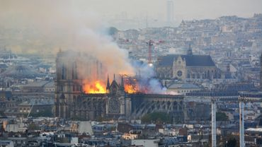 Vive émotion suite à l'incendie de Notre-Dame de Paris