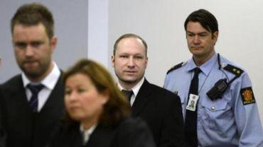 Au troisième jour de son procès, Anders Breivik refuse de s'exprimer sur ses contacts avec d'autres nationalistes