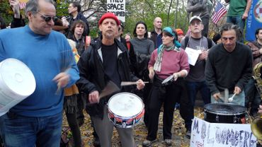 Les tambours d'Occupy Wall Street chez le maire de New-York, Michael Bloomberg
