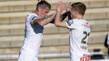 Genk accroche Schalke, Charleroi et Mouscron s'imposent