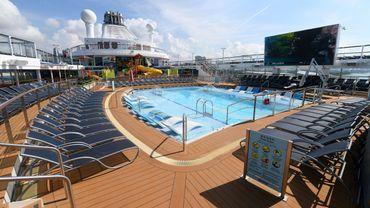 Long de 345 mètres, le Spectrum of the Seas peut transporter plus de 5.600 personnes, passagers et équipage compris.