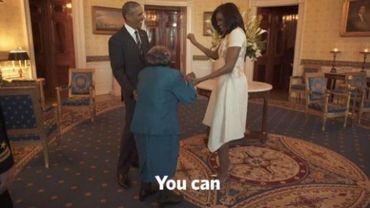 Une dame de 106 ans folle de joie devant Barack et Michelle Obama