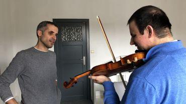 L'apprentissage du violon est désormais accessible pour Jérôme