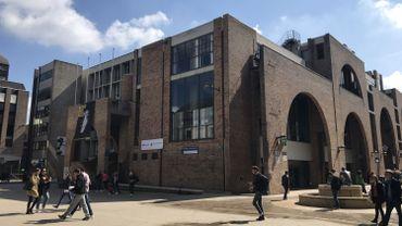 La rénovation des Halles universitaires coûtera environ sept millions d'euros et devrait durer deux ans.