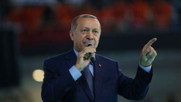 """Erdogan soutient Maduro après l'""""attaque"""" contre lui"""