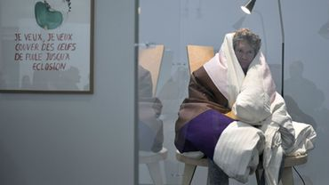 L'artiste français Abraham Poincheval au Palais de Tokyo à Paris