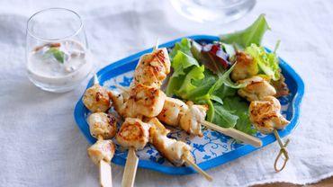 Mini-brochettes de poulet, sauce tomates séchées basilic