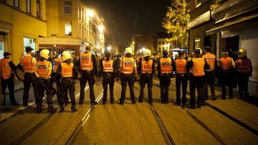 """Emeutes à Anvers: les organisateurs kurdes parlent de """"négligence coupable"""" dans le chef de la police"""