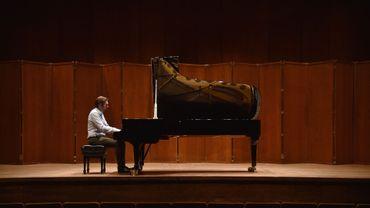 Lors de sa résidence au philharmonique de New York, Andsnes a souvent joué les oeuvres sous-estimées des grands compositeurs: le quatrième concerto de Rachmaninov, ou la Fantaisie pour piano et orchestre de Debussy.