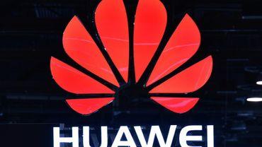 """Le géant chinois des équipements télécoms Huawei prépare l'ouverture de centres de données hors de Chine, alors qu'il s'attaque au marché lucratif mais très disputé de l'informatique en nuage (""""cloud"""")"""