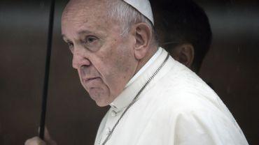 Le pape François écarte un évêque polonais accusé d'avoir couvert des actes de pédophilie