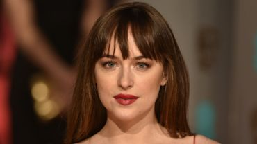 "Dakota Johnson rejoint le casting de ""Under the Silver Lake"""