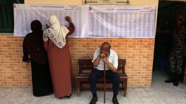 En élisant pour la première fois leur président, les Egyptiens veulent tourner le dos au clan Moubarak