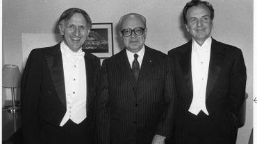 Alberto Ginastera (au centre)