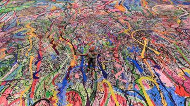 La plus grande toile du monde vendue aux enchères pour les enfants défavorisés