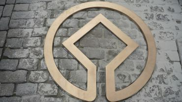 La Grand-Place de Bruxelles parée de logos en bronze pour ses 20 ans au patrimoine mondial
