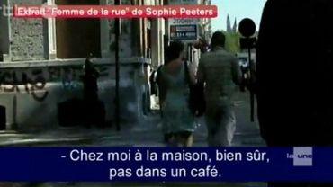 """Capture d'écran du film """"Femme de rue"""" de Sofie Peeters"""