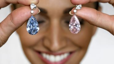 Diamant: 57 millions de dollars pour une paire de boucles d'oreilles, record mondial
