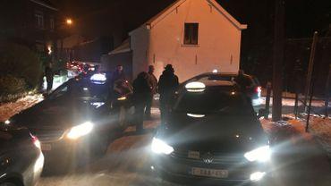 Une grosse centaine de taxis manifestent ce vendredi matin devant le domicile du ministre flamand de la Mobilité, Ben Weyts