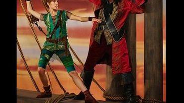 "Allison Williams et Christopher Walken dans ""Peter Pan Live!"""
