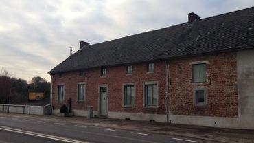 A deux pas de la E411 à Perwez, la ferme de Sans Collier sera transformée en refuge.