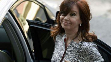 L'ancienne présidente argentine Cristina Kirchner quitte le tribunal à Buenos Aires, le 25 février 2019