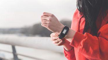 L'Australie réfléchit à instaurer un système de contrôle des quarantaines par bracelets connectés.