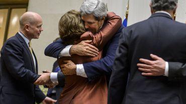 John Kerry et Catherine Ashton se félicitent après l'accord établi pour 6 mois entre les 5+1 et l'Iran sur le nucléaire