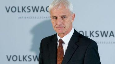 Matthias Mueller à l'issue d'une réunion du conseil de surveillance à  Wolfsburg en Allemagne le 20 novembre 2015