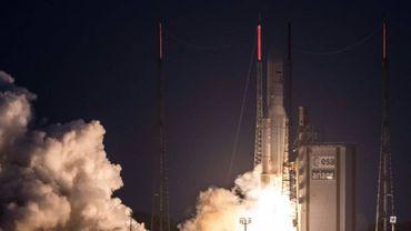 """""""Arianespace a dû reporter le transfert de 24 heures"""", explique la société dans un communiqué."""