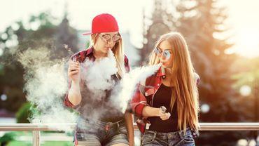 USA: des jeunes hospitalisés après avoir fumé des cigarettes électroniques.