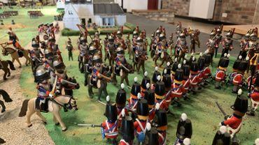 Au Musée Wellington à Waterloo, une grande maquette d'environ sept mètres sur cinq évoque la bataille de Waterloo à l'aide d'environ 1.200 Playmobil