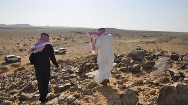Des belges fouillent le désert arabe