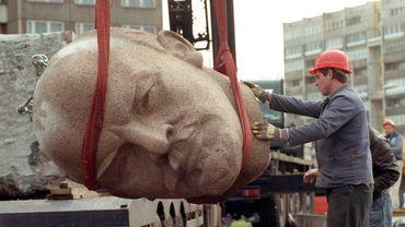Un buste de Lénine exhumé à Berlin, 24 ans après avoir été enfoui