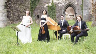 """L'ensemble """"Barrocotout"""" est notre invité aujourd'hui. De gauche à droite : Carlota García: traverso; Izana Soria, violon; Ganaël Schneider, clavecin et Edouard Catalan, violoncelle"""