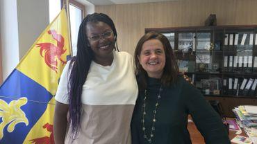 Mireille-Tsheusi Robert (ASBL Bamko-Cran), ici avec Julie de Groote, présidente du Parlement francophone bruxellois salue la résolution des députés