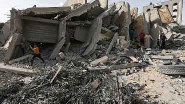 L'aviation et l'artillerie israéliennes ont frappé plus de 350 objectifs à travers la bande de Gaza.