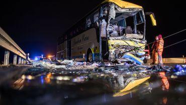 Un accident de bus de voyagebelge est survenu dans la ville de Bavière à proximité de Weibersbrunn