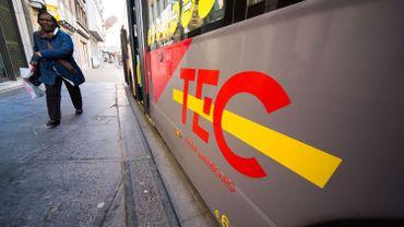 """Le TEC roulera gratuitement sur l'ensemble de son réseau les 31 décembre et 1er janvier 2018 """"du premier au dernier service"""", est-il encore précisé."""