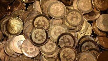 BNB et FSMA mettent en garde contre les risques liés à l'argent virtuel, comme bitcoin