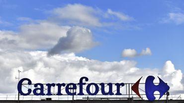 Plan de restructuration de Carrefour: compromis entre syndicats et direction, les travailleurs doivent donner leur avis