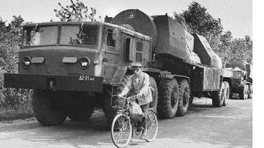 Un transport de missile nucléaire soviétique SS19 en Ukraine en 1993