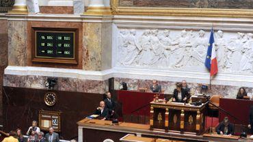 France: la réforme du rail adoptée en 1ère lecture, la grève continue